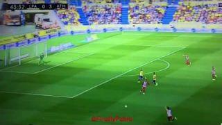El gesto deportivo de Griezmann en la lesión de Michel | Las Palmas - Atlético de Madrid | #Respect